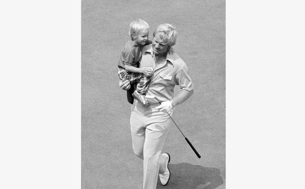Jack holding Gary Nicklaus at the 1973 PGA Championship
